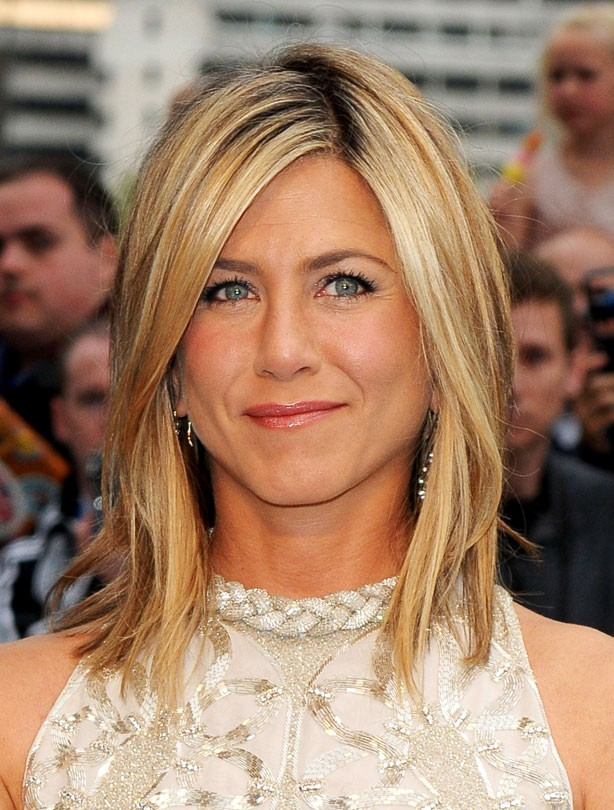 Jennifer Aniston: Mid-length hair