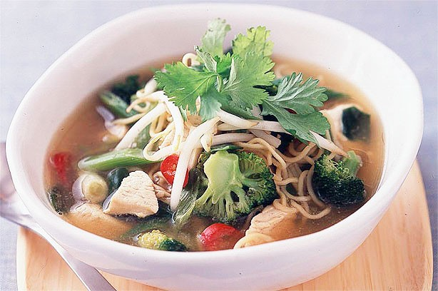 Spicy chicken noodle broth