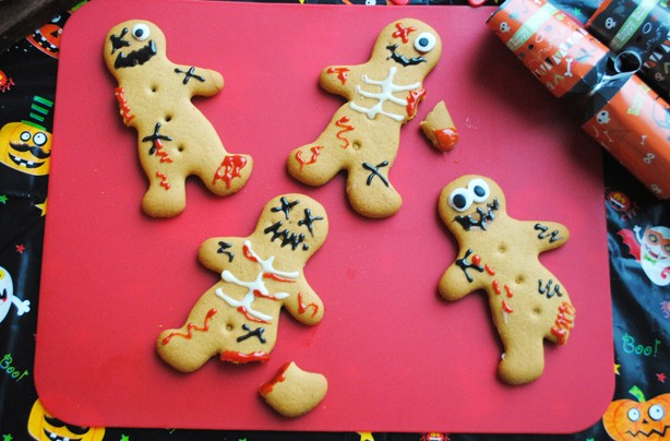 halloween recipes zombie gingerbread men - Halloween Gingerbread Cookies