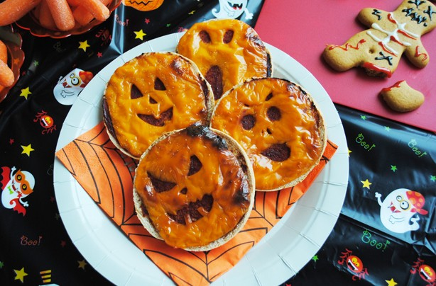Halloween-recipes-cheesey-muffins
