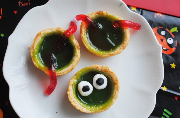 Halloween-recipes-slimy-tarts