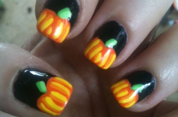 Pumpkin Halloween nails