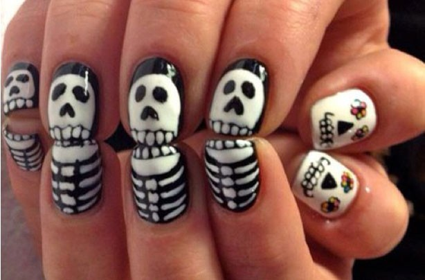 Skeleton Halloween nails