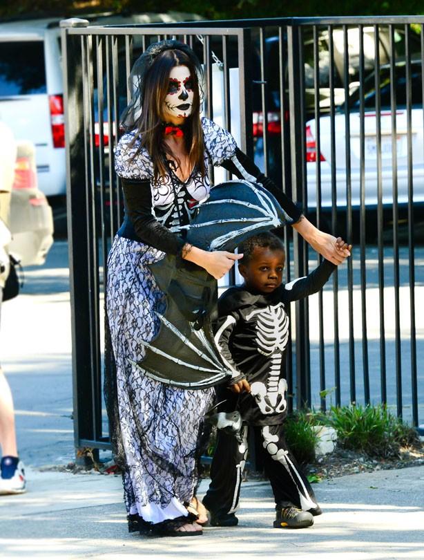 Sandra Bullock, Halloween, costume