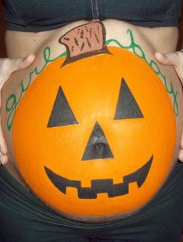 Halloween pregnancy bump pics