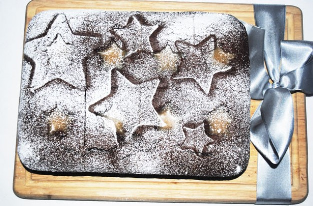 Gingerbread and salted caramel tray bake