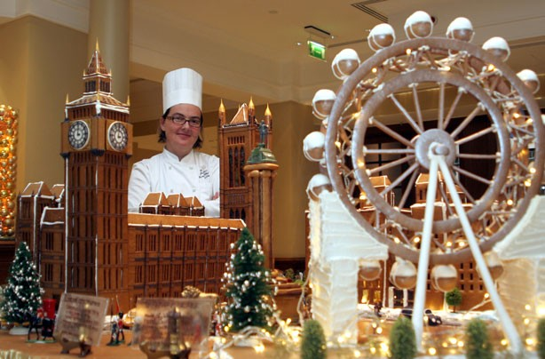The best gingerbread houses you have ever seen houses of for How to make best gingerbread house