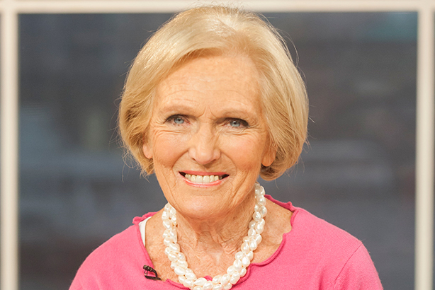 Mary berry cooks the queen of baking is back in a brand for Mary berry uk