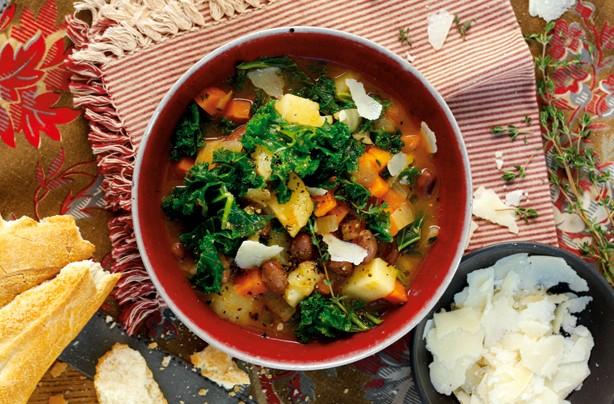borlotti bean & kale soup