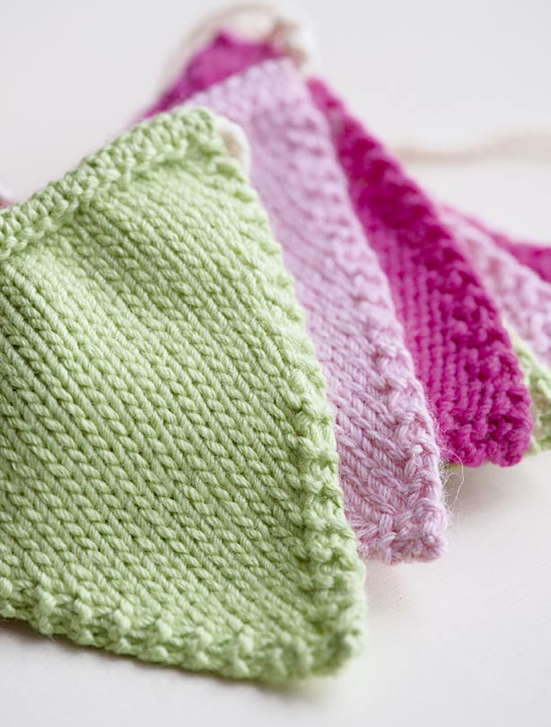Knitting Pattern Baby Bunting : Knitted bunting pattern - goodtoknow