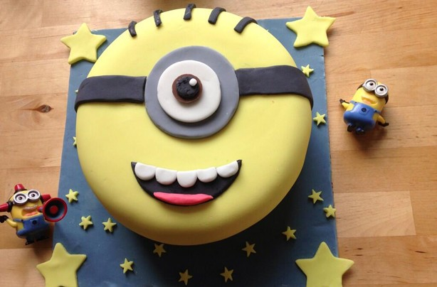 Kimberley Louise's homemade Minion first ever iced cake