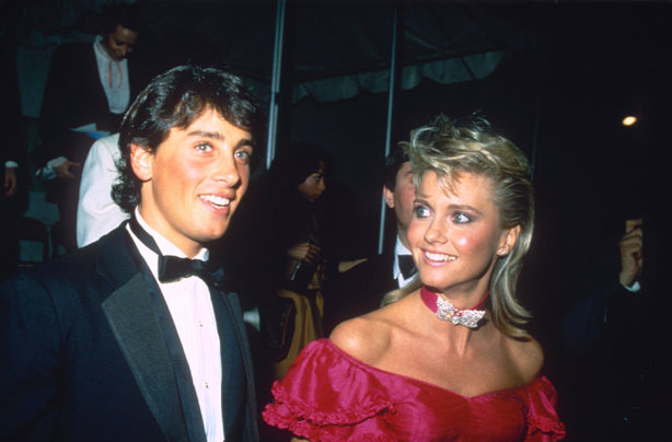 http://goodtoknow.media.ipcdigital.co.uk/111/00000f42b/b4fa/Olivia-Newton-John-married-.jpg