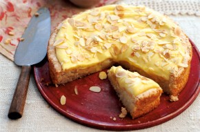 Swedish vanilla and almond cake