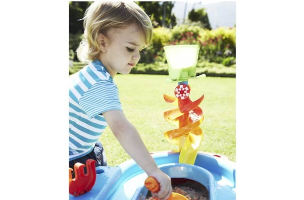 50 outdoor toys for Summer: Sand & Water Spiral ELC