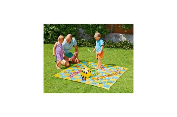 50 outdoor toys for Summer: Giant Outdoor Snakes and Ladders