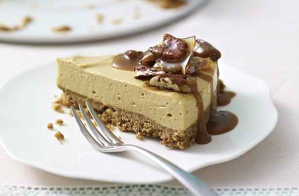 Praline crunch cheesecake