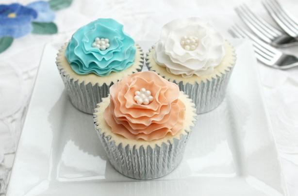 ruffle flower cake decorations - Cake Decorations