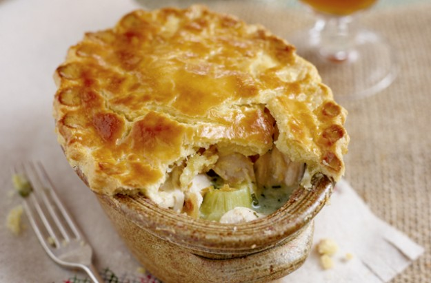 Gluten-free chicken and leek pie