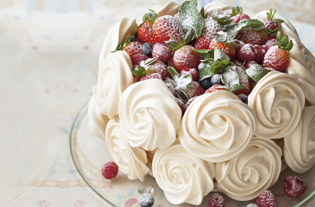 Mixed berries pavlova
