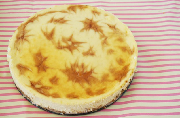Pimm's baked cheesecake