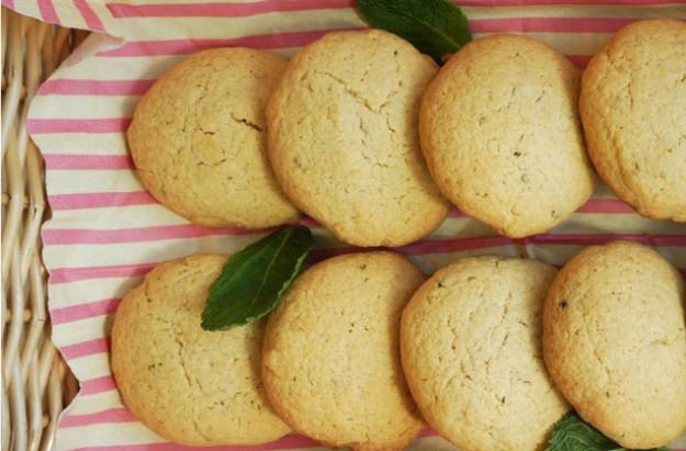 Pimm's mint cookies