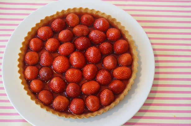 Pimm's strawberry tart