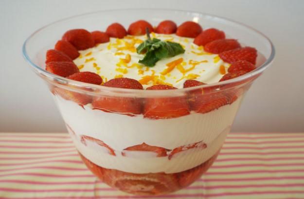 Pimm's trifle
