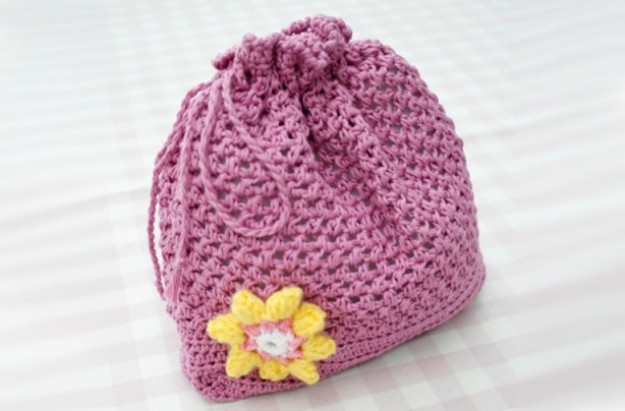 Knitting Pattern For A String Bag : Drawstring bag knitting pattern - goodtoknow