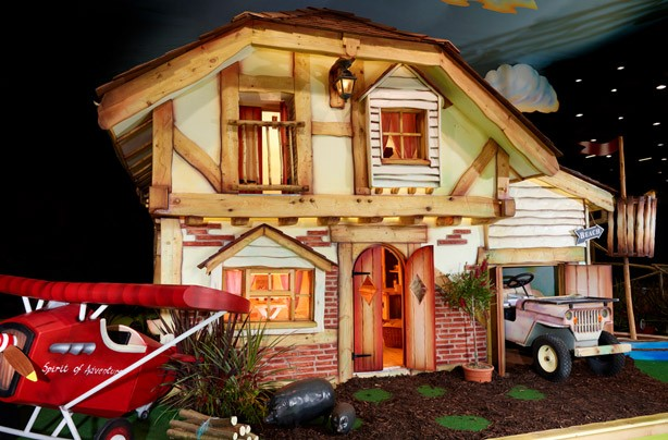 Master Wishmakers Adventurer's Playhouse
