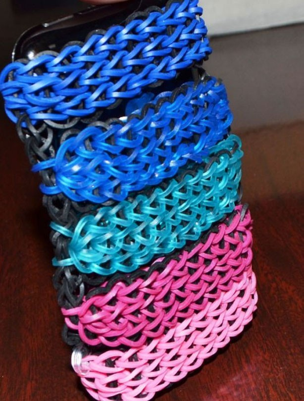 Loom band ideas: iPhone cover loom bands