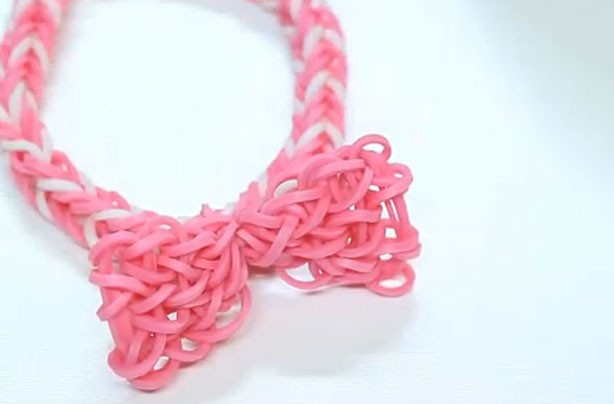 Loom band ideas: Loom band bow
