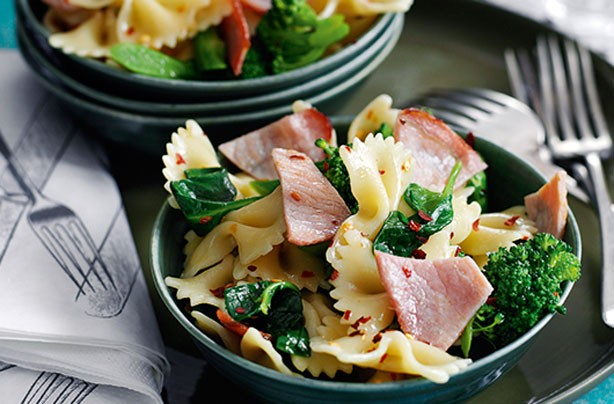 Dinner ideas for two: Bacon and broccoli pasta salad