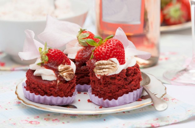 Summer ros� canap� cupcakes