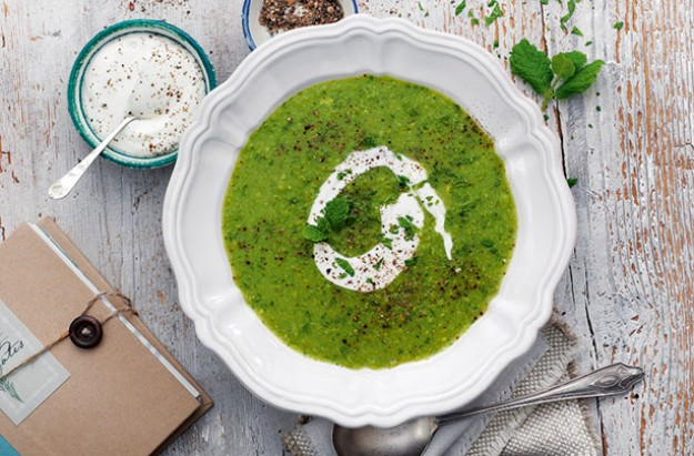 Slimming World's green pea and mint soup
