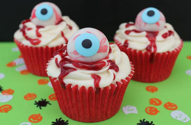 How to make halloween eyeball cake decorations goodtoknow for How to make halloween cupcake cakes