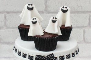 Halloween ghost cake decorations