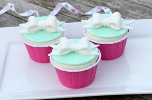 Bow cupcake decorations
