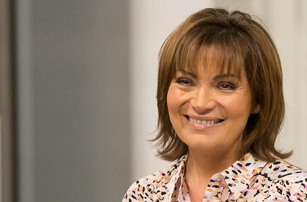 Celebrity fringes Lorraine Kelly