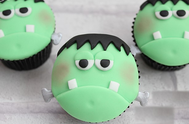 Cupcake Cake Tutorial