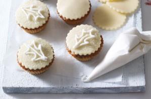 Boozy Christmas cupcakes