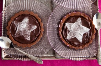 Chocolate star tarts