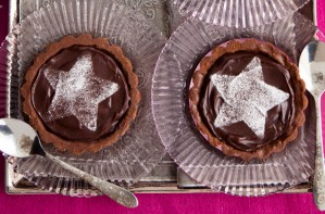 Chocolate star tarts
