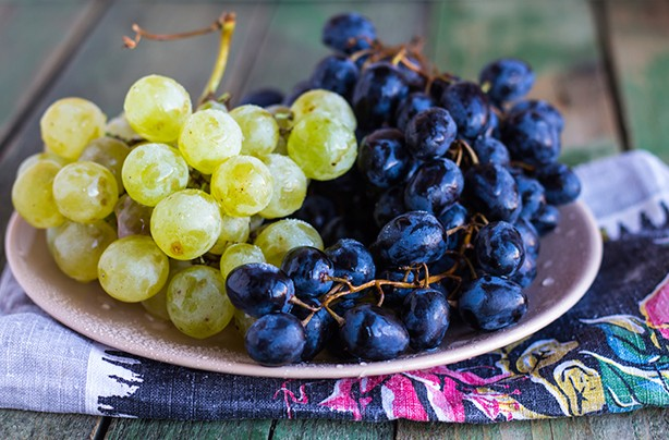 calories in fruit grapes