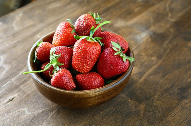 calories in fruit strawberries