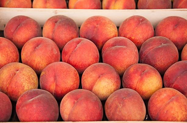 calories in fruit peach