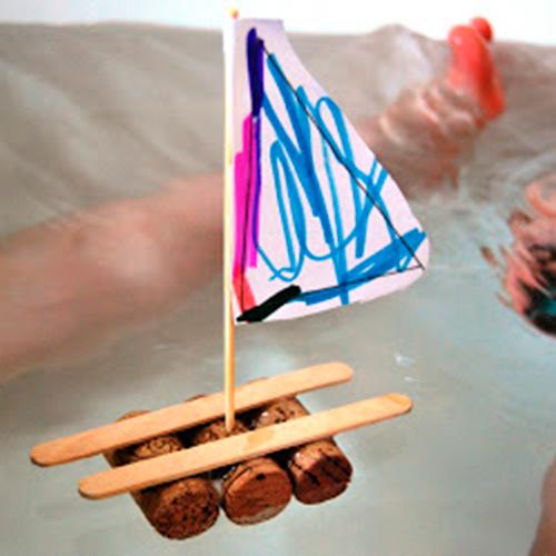 как произвести изо  палочек с мороженого лодку