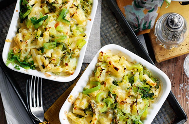 Slimming World's leek macaroni cheese