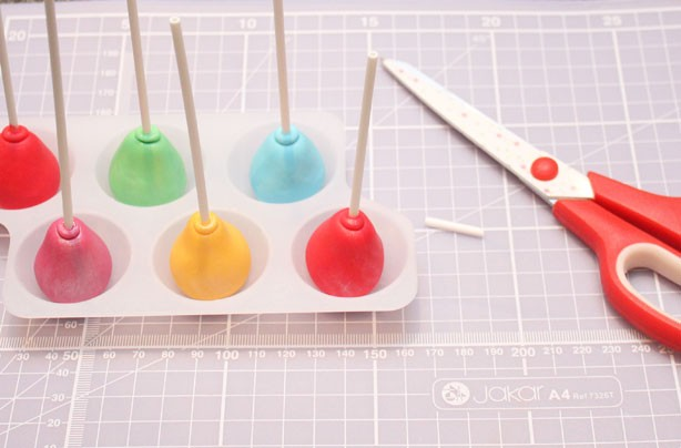 Balloons For Cake Decoration : Balloon cake decorations - goodtoknow