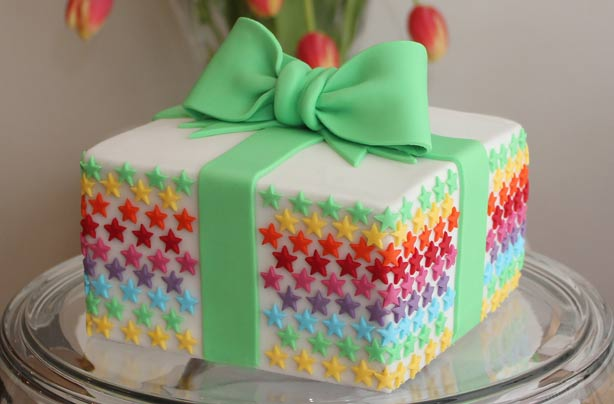Birthday present cake goodtoknow for Cake recipe ideas uk