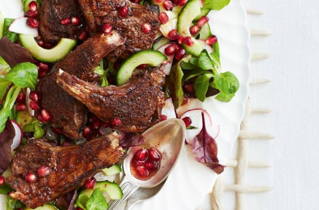 Marinated lamb cutlets with pomegranate